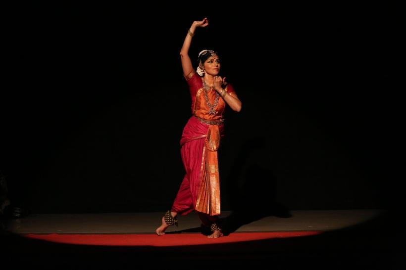 bharatha-natyam-dancer-revathi-ramachandran